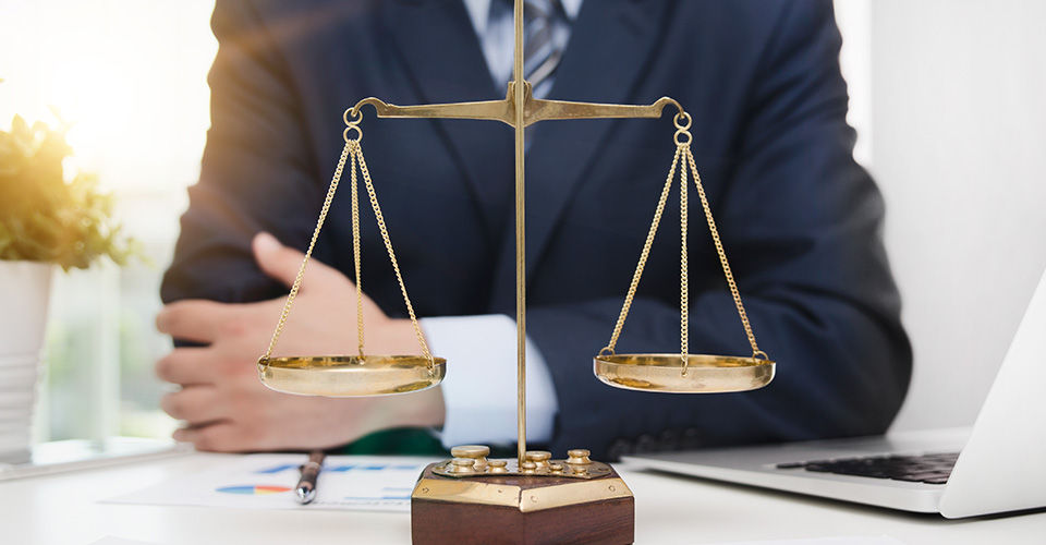 Advocate vs Attorneys